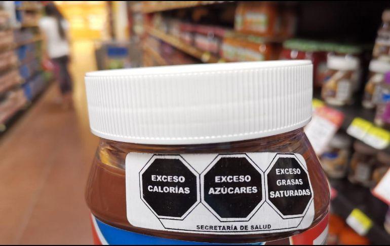 Los sellos advierten sobre los productos que exceden los criterios establecidos en el perfil de nutrimentos críticos. SUN/ARCHIVO
