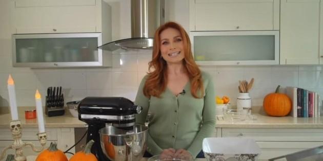 Elizabeth Álvarez estrena canal de YouTube con