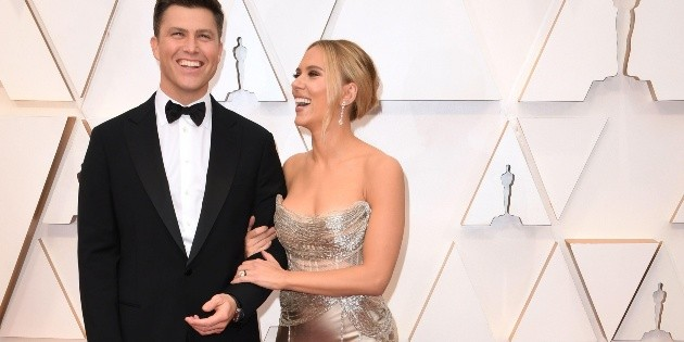 Scarlett Johansson y Colin Jost se casan en