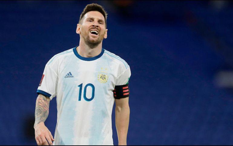 El capitán argentino y figura del equipo reniega tras ver cómo le anularon un gol con el VAR. EFE