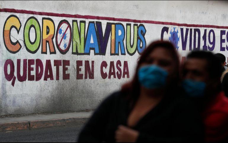 López Obrador destacó que las restricciones como el toque de queda son porque los líderes políticos quieren mostrar mano dura. AP / ARCHIVO