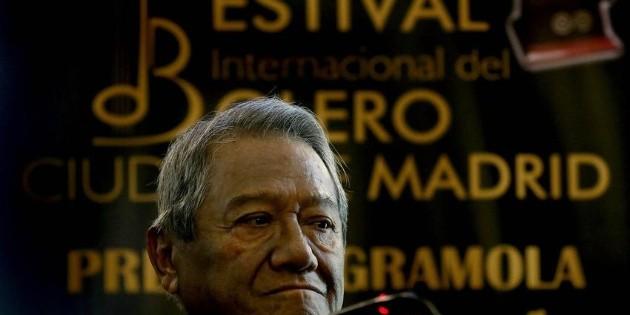Armando Manzanero, estable y de