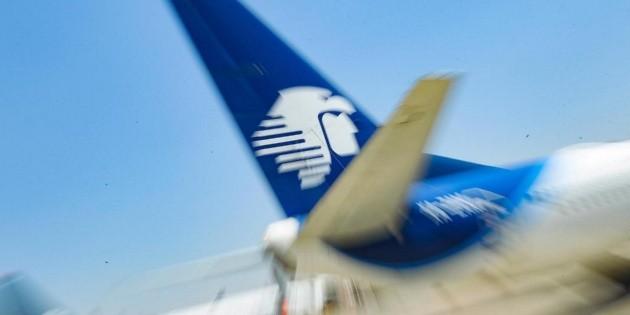 Aeroméxico quiere despedir a 374 sobrecargos