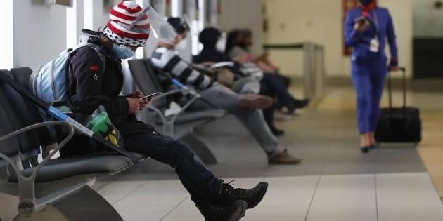 Número de pasajeros aéreos cae un 60% en 2020: OACI