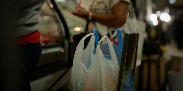 Congelan multas por plásticos de uso único hasta fin de año
