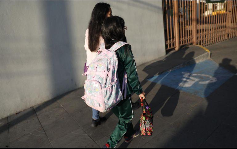 Todas las escuelas que este lunes recibieron a padres de familia y niños, se ubican en zonas rurales. EFE/ARCHIVO