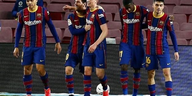Messi lleva al Barcelona al triunfo ante el Elche
