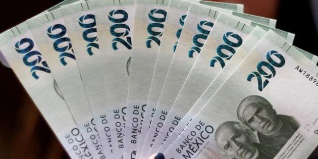 México refinancia deuda externa y baja 69% el pago para 2023