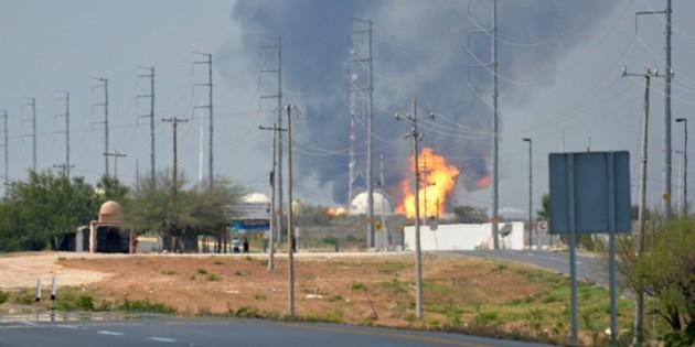 Se registra incendio en la refinería Lázaro Cárdenas de Minatitlán, Veracruz