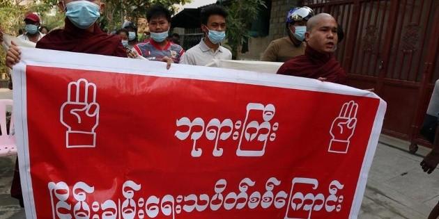 Junta militar de Birmania limita el Internet y la TV satelital