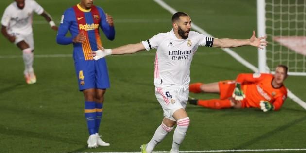 El Real Madrid gana el Clásico Español y duerme líder
