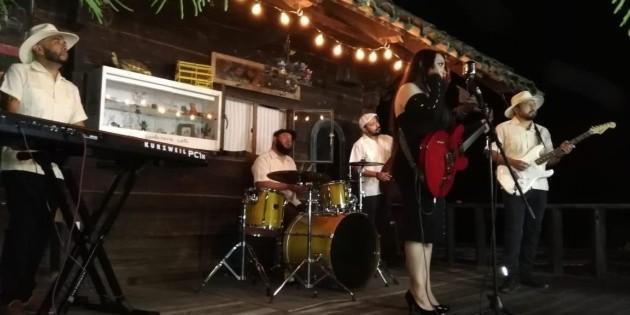 Miss Neurosis lanza su primer disco