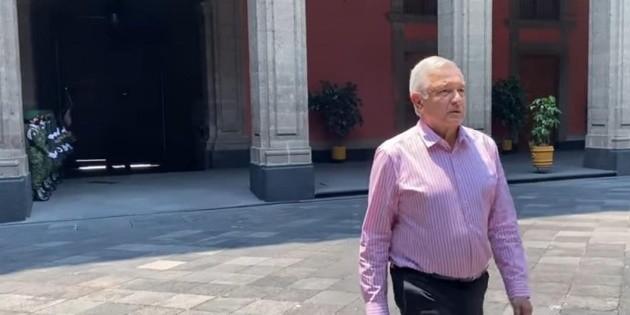 AMLO regresa a Palacio Nacional, tras gira de trabajo privada