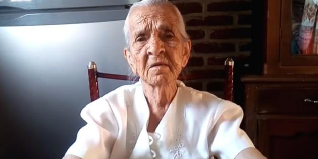 Doña Ninfa, la youtuber de 87 años que pide ayuda para vivir de sus videos