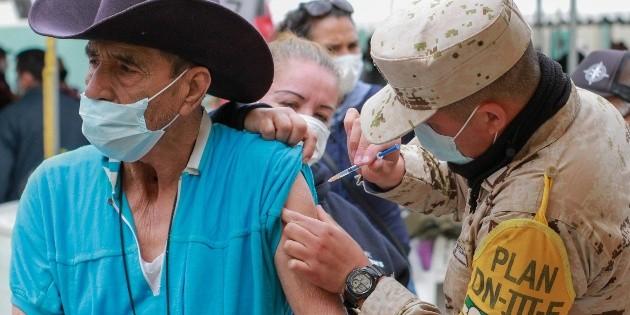 Muere adulto mayor tras recibir la vacuna CanSino en Oaxaca