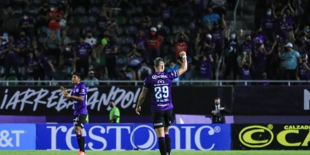 Mazatlán remonta y le pega al campeón