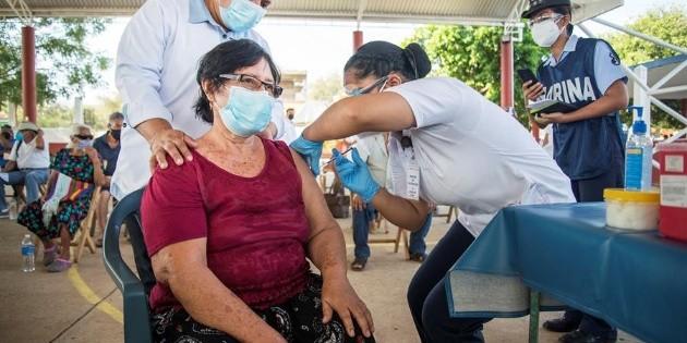 México acumula 215 mil 918 muertes por COVID-19