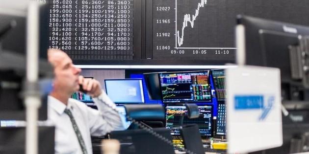 Wall Street gana pese a datos de empleo, con Dow Jones y S&P en récord