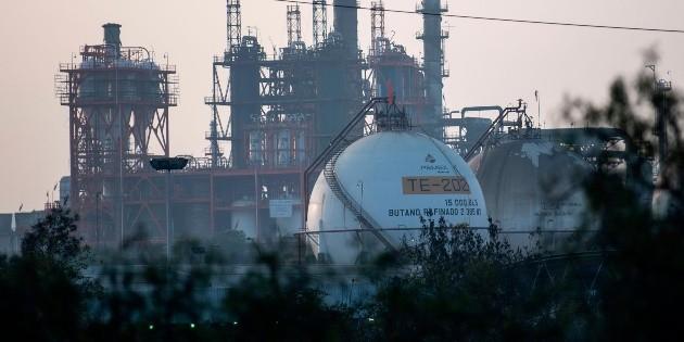 Pemex: Reportan que refinería de Tula está detenida por bloqueos