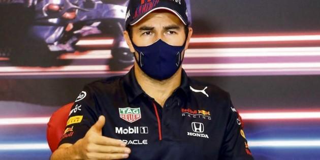 Checo Pérez acepta que ganó por error de Hamilton