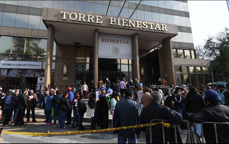 AMLO se dice satisfecho deque ya reinició la dispersión de los fondos del programa de la Secretaría del Bienestar. SUN / A. Martínez