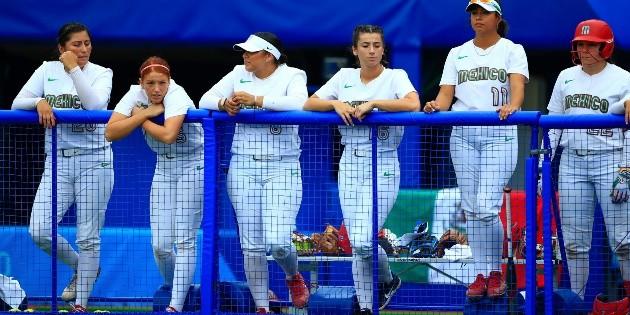 Federación Mexicana de Softbol sancionará a jugadoras que tiraron uniformes