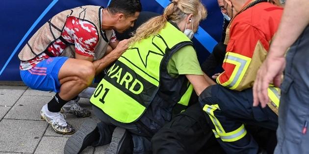 ¡Brutal! Cristiano Ronaldo ''noqueó'' a guardia de seguridad
