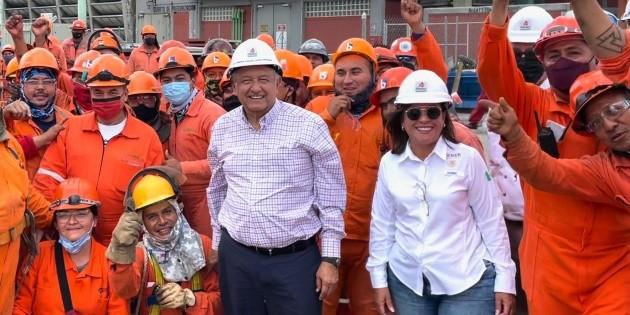 AMLO supervisa refinería en Cadereyta, Nuevo León