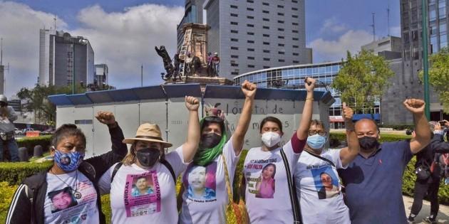 Feministas instalan antimonumento en Ciudad de México