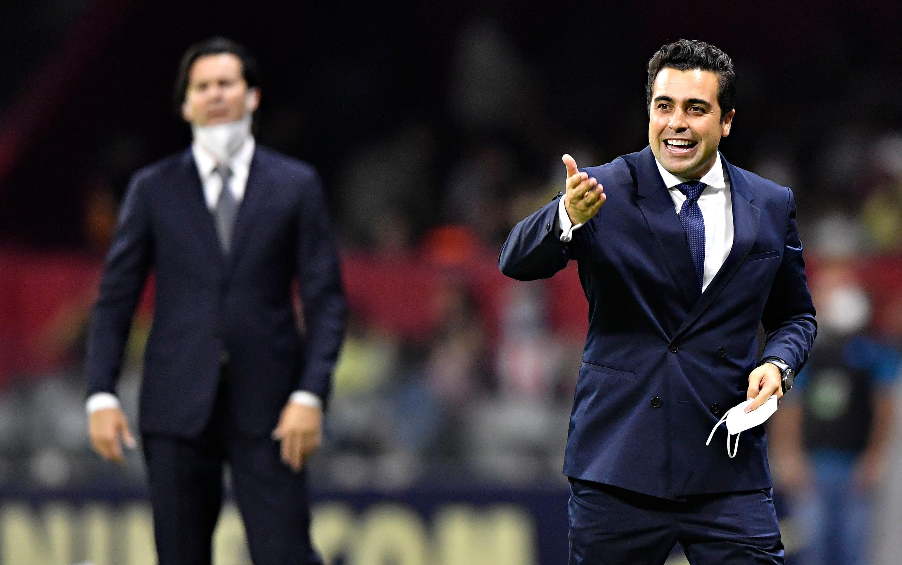 Jugador de Chivas nota mejor actitud con Michel Leaño en el banquillo del equipo