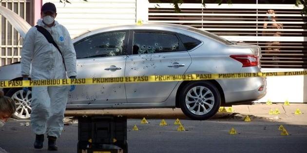 Hallan cuatro cuerpos al interior de una cajuela en Iguala, Guerrero