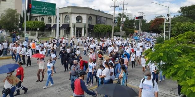 Aborto: Arranca marcha 'Por la mujer y la vida' en Guadalajara