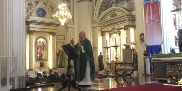 Cardenal Robles pide respeto a Juan Sandoval