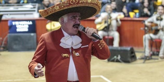 Vicente Fernández: Respiración del cantante permanece débil