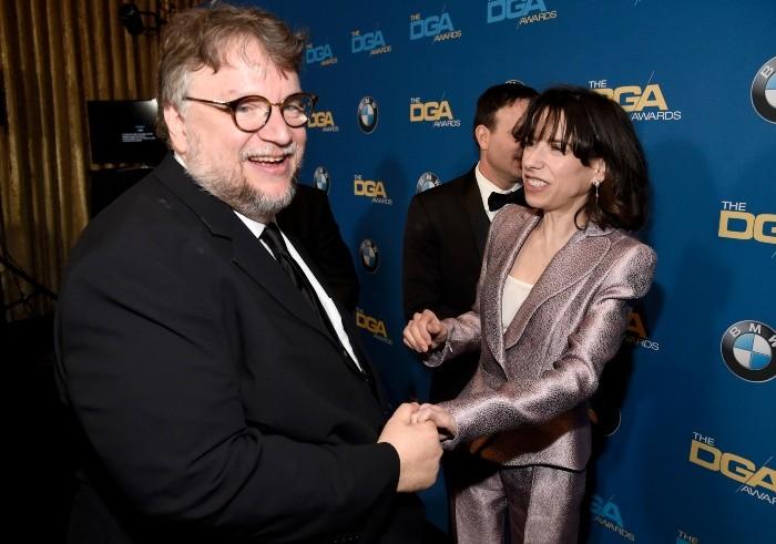 Guillermo del Toro acaricia el Oscar a Mejor Director