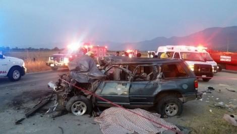 Accidente carretero deja dos muertos y siete lesionados en Jalisco