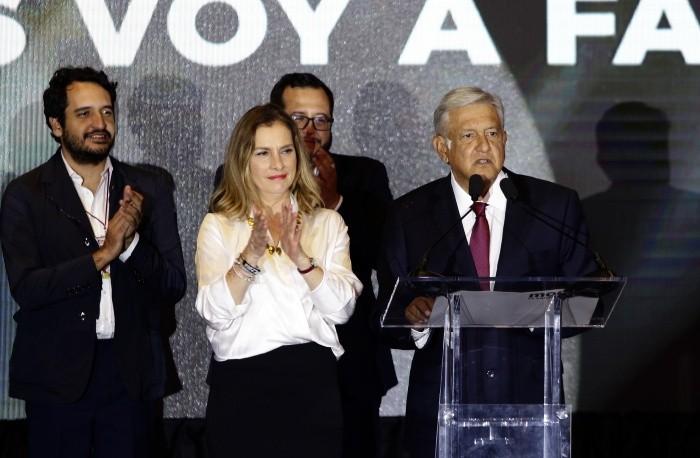 AMLO califica como cordial la reunión con EPN