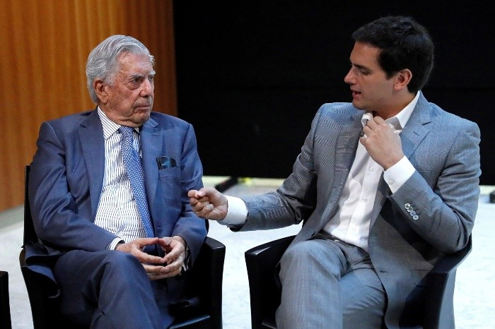 Vargas Llosa vuelve a opinar de AMLO: